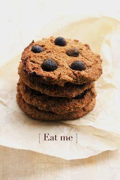 white bean chocolate chip cookies (dairy/gluten-free, naturally sweetened)