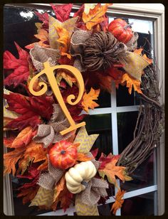 Fall wreath.... I would love to make this with our last name letters! @Natalie Jost Jost Kemeny @Cecilia Börjesson Börjesson Gennovario