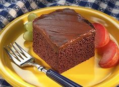 Make this SPECIAL DARK Picnic Cake for your next picnic outing with friends and family!