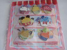 Disney Trading Pins 82947: Character Cupcake - Mini-Pin Set
