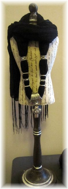 Pendant Scarf, elegant accessory  to any outfit.