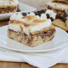 S'mores Rice Krispies Treats {Sweet Pea's KItchen}