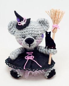 Witch bear amigurumi