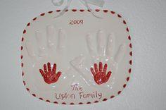 I love this family handprint idea!