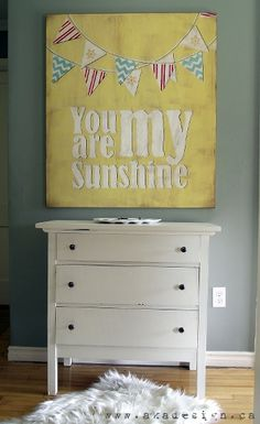 Awesome project step by step DIY Vintage You Are My Sunshine Sign