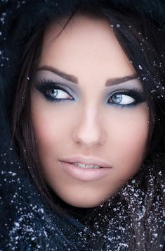 10 Gorgeous Holiday-Inspired Makeup Palettes. Love her Eyes!!!
