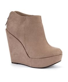 wedge ankle boots on