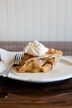 Apple Pie / thepieholela.com