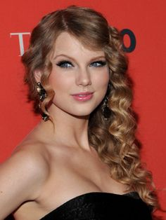 Taylor Swift curly hair taylor swift, curly hair cuts, celebrity hairstyles, prom hair, swift cur, beauty, taylors, cur hair, eye