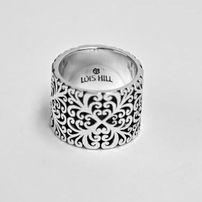 This is a ring I could wear everyday. Lois Hill. Anyone got $168 they're not using and want to buy me this?