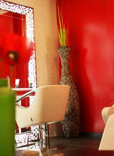 Salon deco on pinterest hair salons salon design and salons - Salon de coiffure vip ...