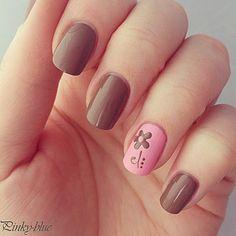 Pinky-blue : du vernis, du nail art, et un peu de fantaisie ! Color Combos, Pink Nails, Flower Nails, Ring Finger, Nail Colors, Brown Nail, Flower Designs, Nail Arts, Art Flowers