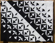 Schwarz wird Weiss (black with white) by Ranghild GRASSHOFF, 2006 International quilt championships, photos by Catherine Pascal