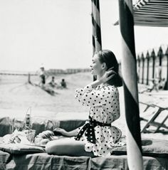 Photo: A picnic on the beach, 1956. Photo by Henry Clarke.