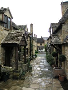 Broadway alley, Cotswold, Gloucestershire