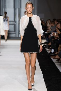 Giambattista Valli Spring 2015 Ready-to-Wear