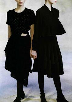 comme des garçons feature by peter godry for l'officiel nº 737, 1988.