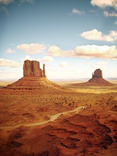 """Monument Valley ~ Miks' Pics """"Nature Scenes lll"""" board @ http://www.pinterest.com/msmgish/nature-scenes-lll/"""