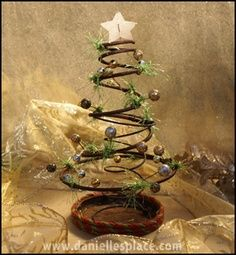 christmas primitive craft ideas   Bed Spring Christmas Tree Craft How to