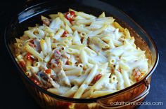 Easy Chicken Alfredo Pasta Bake with Sun-Dried Tomatoes