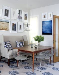 A couch at the kitchen table: love it!
