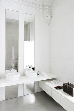 White modern bathroom | #saltstudionyc
