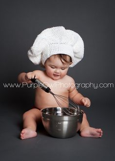 love it... i need a baby to cook for me=) hats, babi photographi, pastri chef, chef babi, babi cook, chef hat, pastries, pastry chef, babi baker