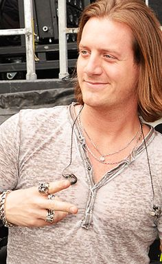 Tyler hubbard on pinterest florida georgia line for Tyler hubbard tattoos