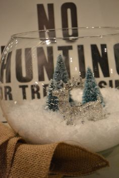 Charming fishbowl snowglobe