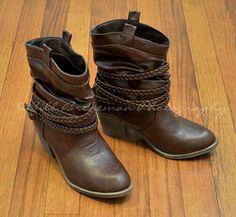 Women's Cowboy Boots - LOVE