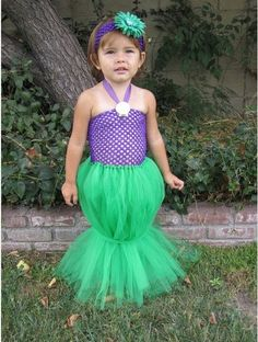 Awh!  I want Persephone to have one of these!  So cute!  Mermaid costume - skirt looks easy