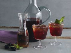 Blackberry-Bourbon Iced Tea Recipe : Bobby Flay : Food Network - FoodNetwork.com