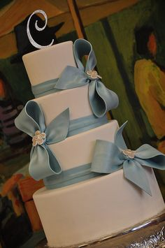 Huge Bow Cake by Designer Cakes By April, via Flickr