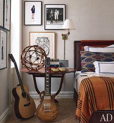 Classic teen boy room--wallpaper