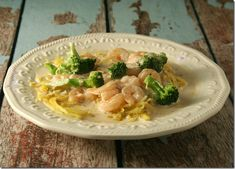 Low-Carb, so good you won't even miss the pasta!!  Broccoli and Shrimp Alfredo with Spaghetti Squash - Yours And Mine Are Ours seafood spaghetti squash, shrimp alfredo