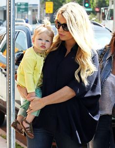Jessica Simpson and Maxwell. So cute!