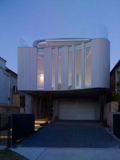 Wave Shaped House in Bondi Beach, Australia