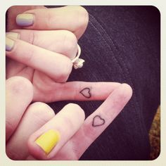 small friend tattoo, finger tattoos, matching tattoos, small tattoos girls fingers, small tattoos best friends, small friendship tattoos, sister tattoos, friend tattoos, heart tattoos
