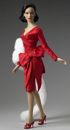 HAUTE ROUGE TYLER - NRFB - Paris Convention Exclusive Tonner doll W COA shipper #ROBERTTONNER