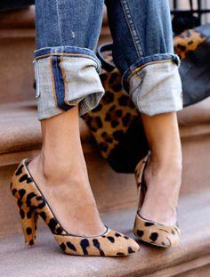 Leopard pumps + cuffed denim.