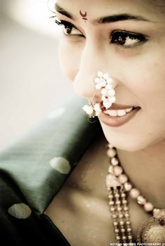 Beautiful Maharashtrian Bride, Lovely Nathni Nose #Jewelry <3