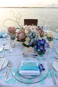 Chic Bahamas Weddings | Exuma Wedding planners.  Tablescape - Turquoise Cay Boutique Hotel.  Photo | Donna Von Bruening.