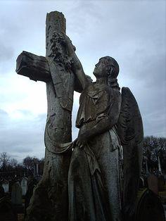 Angel at cross ღ