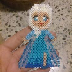 Elsa Frozen hama beads by hiena88