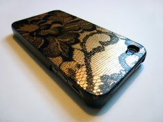 DIY lace phone cover.
