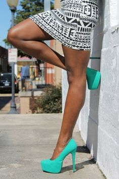 The tribal black & white screams for that aqua color. Pumps I now must own shoes, skirt, fashion, color, heel, mint, black white, pump, tribal prints