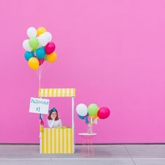 Pinner before: Why sell lemonade when you can sell balloons!? Learn to DIY this balloon stand, balloon wands + more (with duct tape, no less!)!