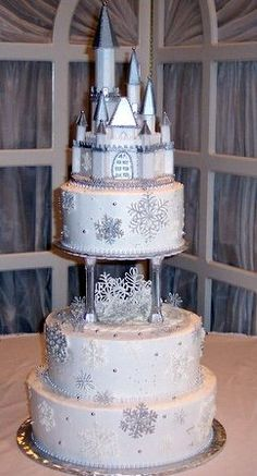 Castle Snowflake Wedding Cake - Winter Themed Wedding Cakes Photo Gallery