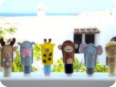 titeres de dedos / finger puppets by Fieltrunguis, via Flickr