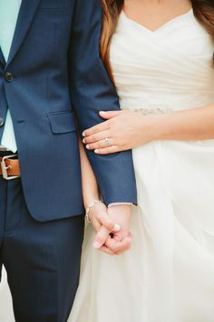 Stephanie Sunderland Photography. Utah Bridal Photography. Utah wedding Photography. Cute bridal photos. Nature bridal photos. Lakeside Bridal Photos. Alta Moda Dress. Temple dress. Modest Wedding dress.